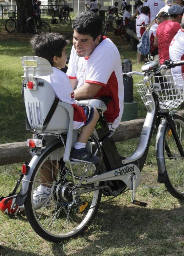 Converti tu bici e-trotter en un transporte para tus hijos